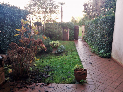 Townhouse for Sale to Forte dei Marmi