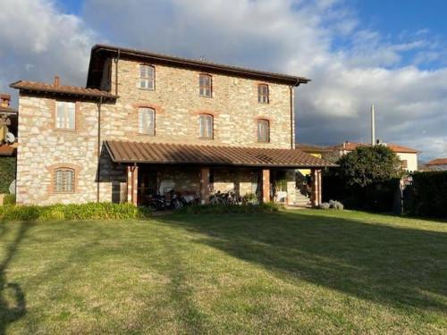 Villa di Pregio in Affitto a Forte dei Marmi