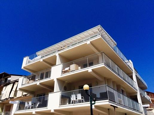 Appartamento in affitto a Santo Stefano di Camastra, 2 locali, prezzo € 125.000 | CambioCasa.it