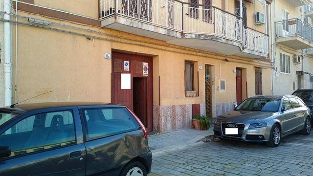 Appartamento in vendita a Campofelice di Roccella, 4 locali, prezzo € 95.000 | CambioCasa.it