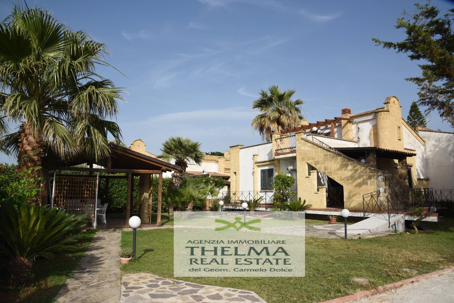 Villa in affitto a Campofelice di Roccella, 6 locali, Trattative riservate   CambioCasa.it