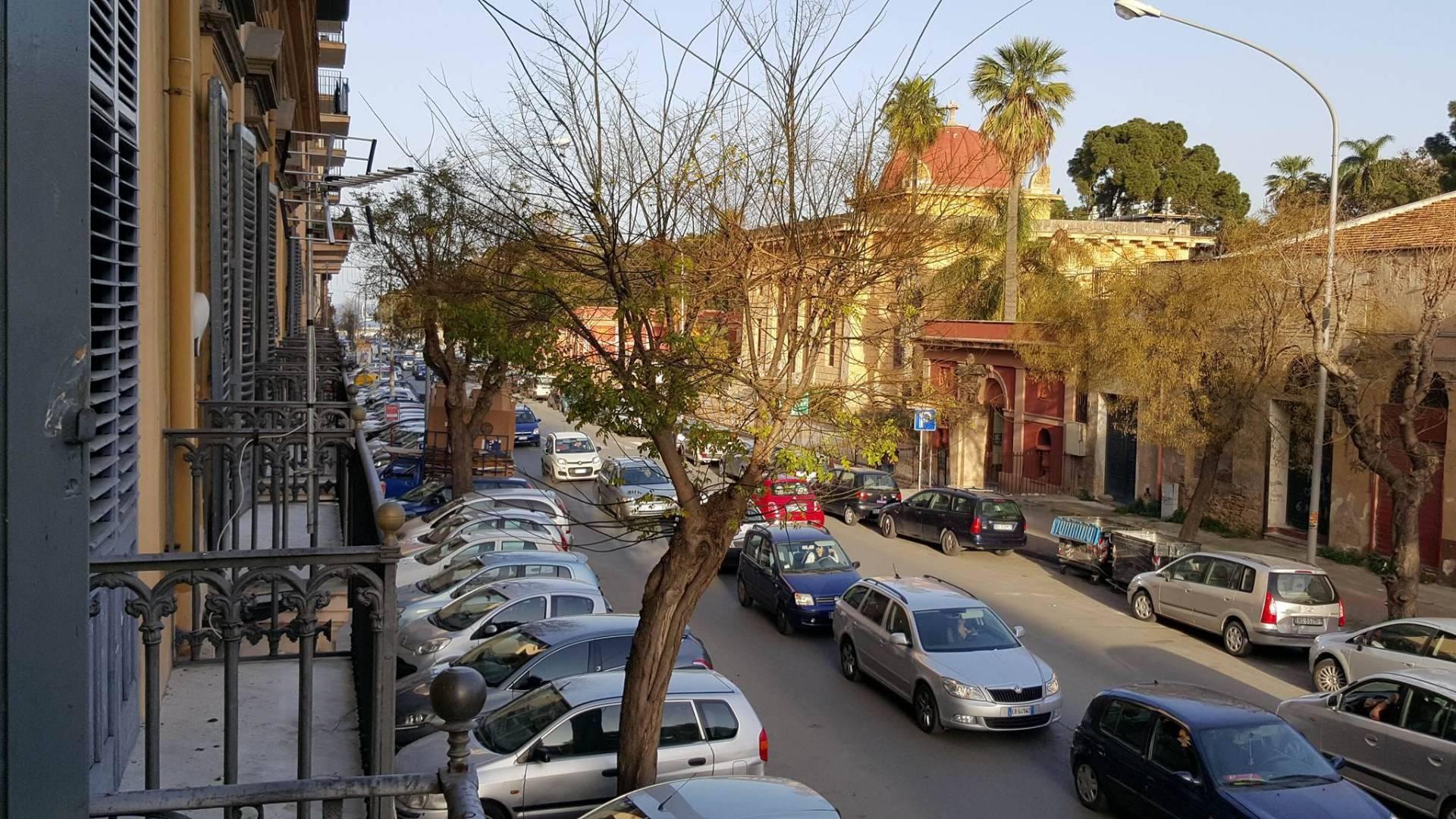 Appartamento in affitto a Palermo, 4 locali, zona Località: Centrostorico, prezzo € 520 | PortaleAgenzieImmobiliari.it