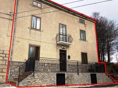 Renovated Farmhouse for Sale to Pietrabbondante