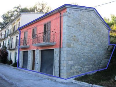 Casa singola in Vendita a Castelverrino