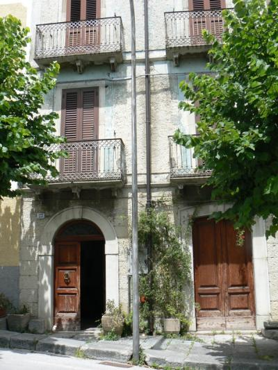 Single house for Sale to Agnone