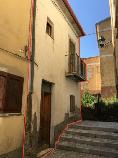 Casa singola in Vendita a Borrello