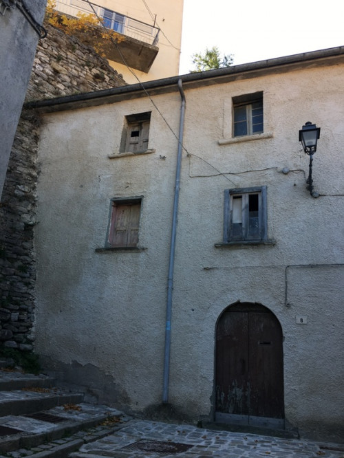 Rustic for Sale to Castelverrino