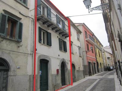 Casa ristrutturata in Vendita a Agnone