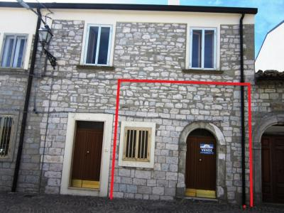 Porzione di Casa in Vendita a Schiavi di Abruzzo