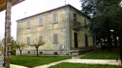 Single house for Sale to Rosello