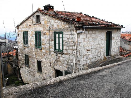 Rustico in Vendita a Schiavi di Abruzzo