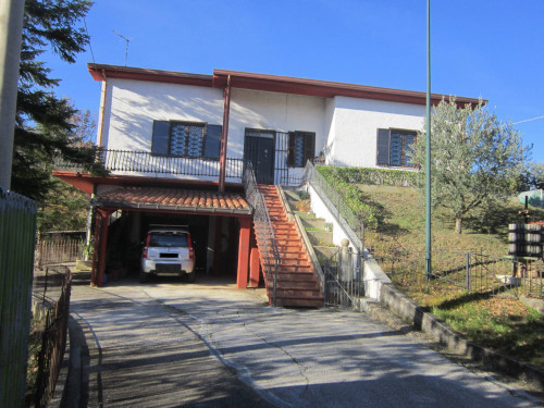 Rustic/House for Sale to Pietrabbondante