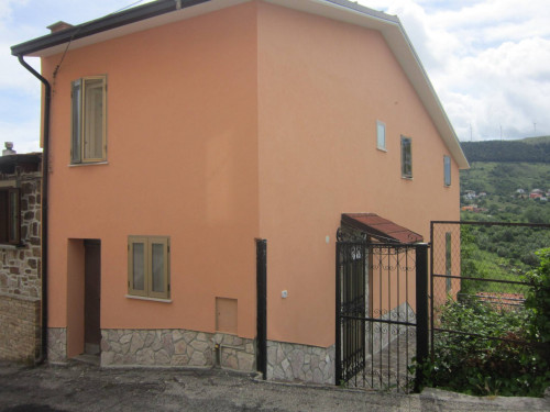 Casa indipendente in Vendita a Castiglione Messer Marino
