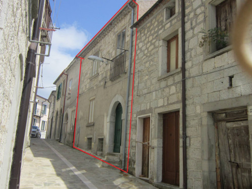 Detached house for Sale to Schiavi di Abruzzo