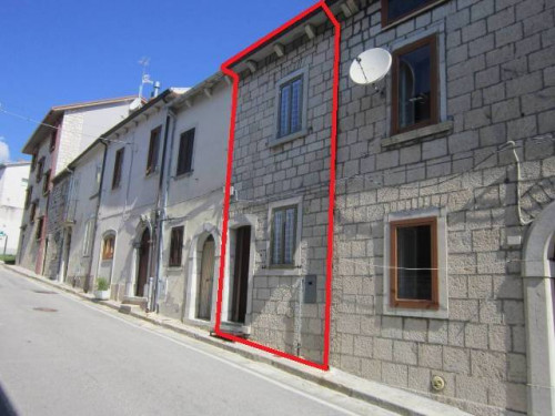 Detached house for Sale to Pescopennataro