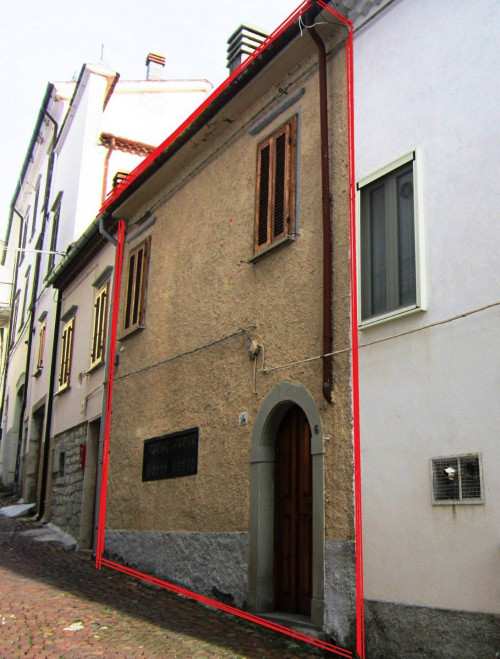 Freistehendes mehrstöckiges Haus in Kauf bis Agnone