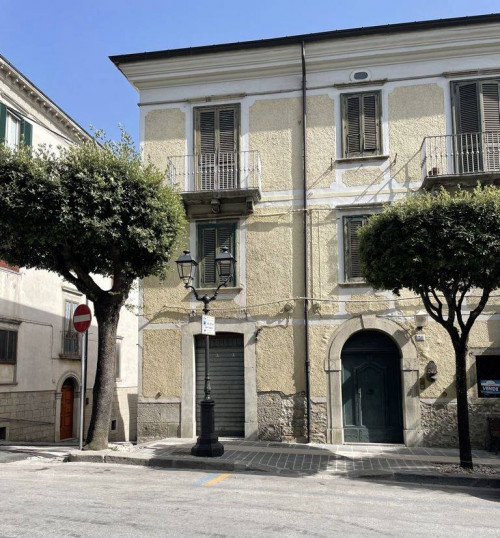Commercial premises for Sale to Agnone