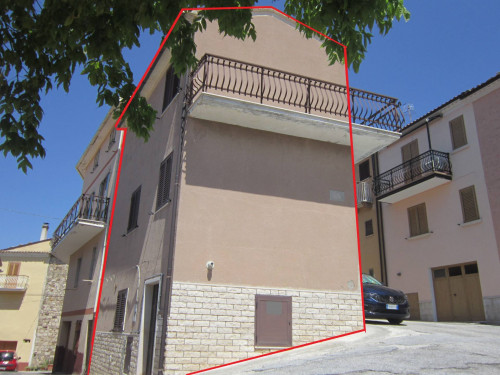 Multi-storey detached house for Sale to Bagnoli del Trigno