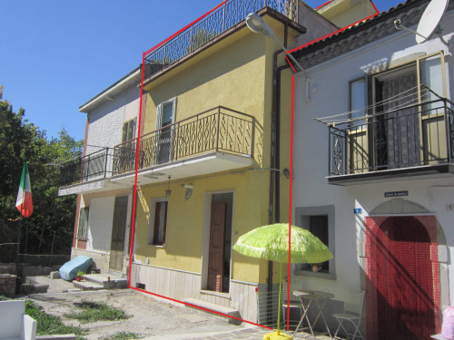 Terraced house for Sale to Rosello