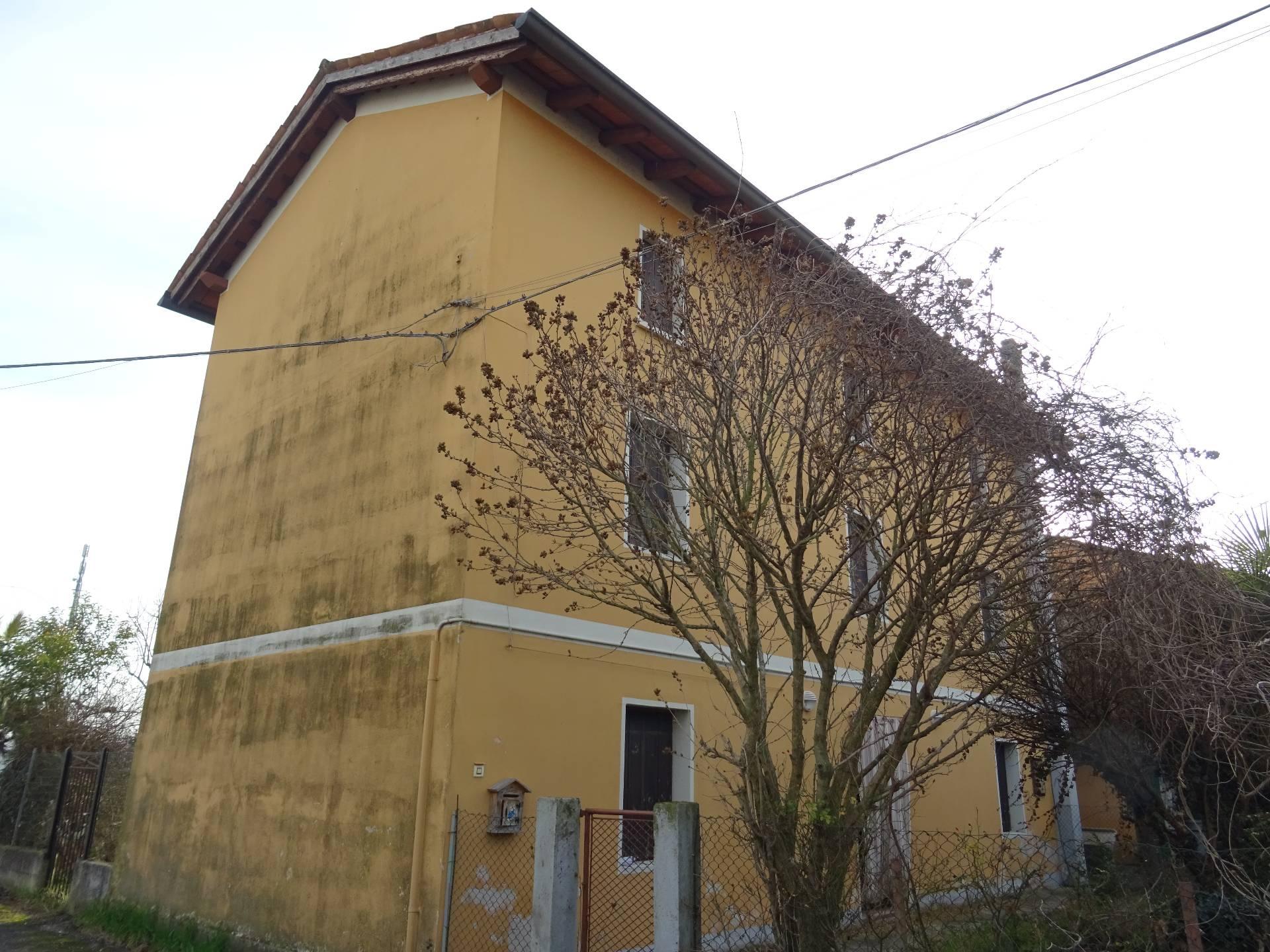 Soluzione Indipendente in vendita a Muzzana del Turgnano, 8 locali, prezzo € 59.000 | CambioCasa.it