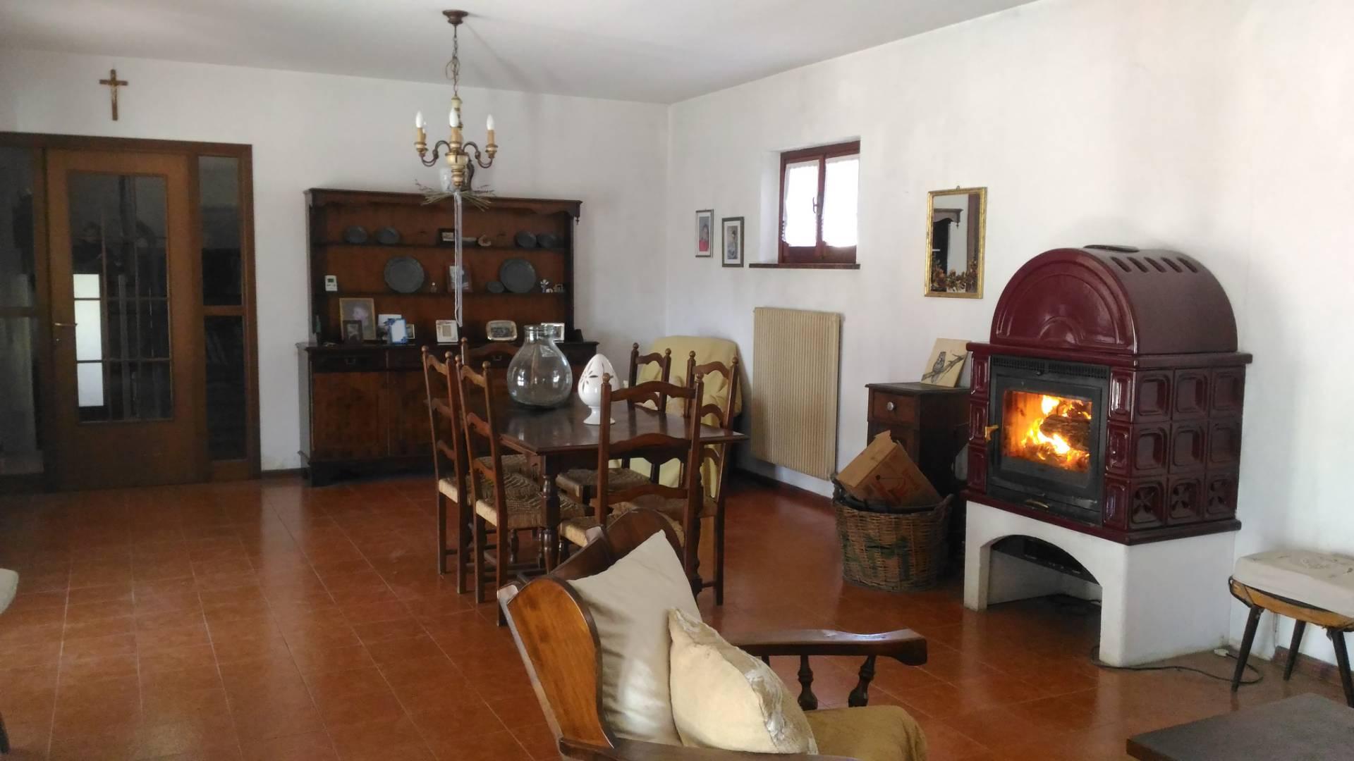 Soluzione Indipendente in vendita a Moruzzo, 7 locali, prezzo € 295.000 | CambioCasa.it