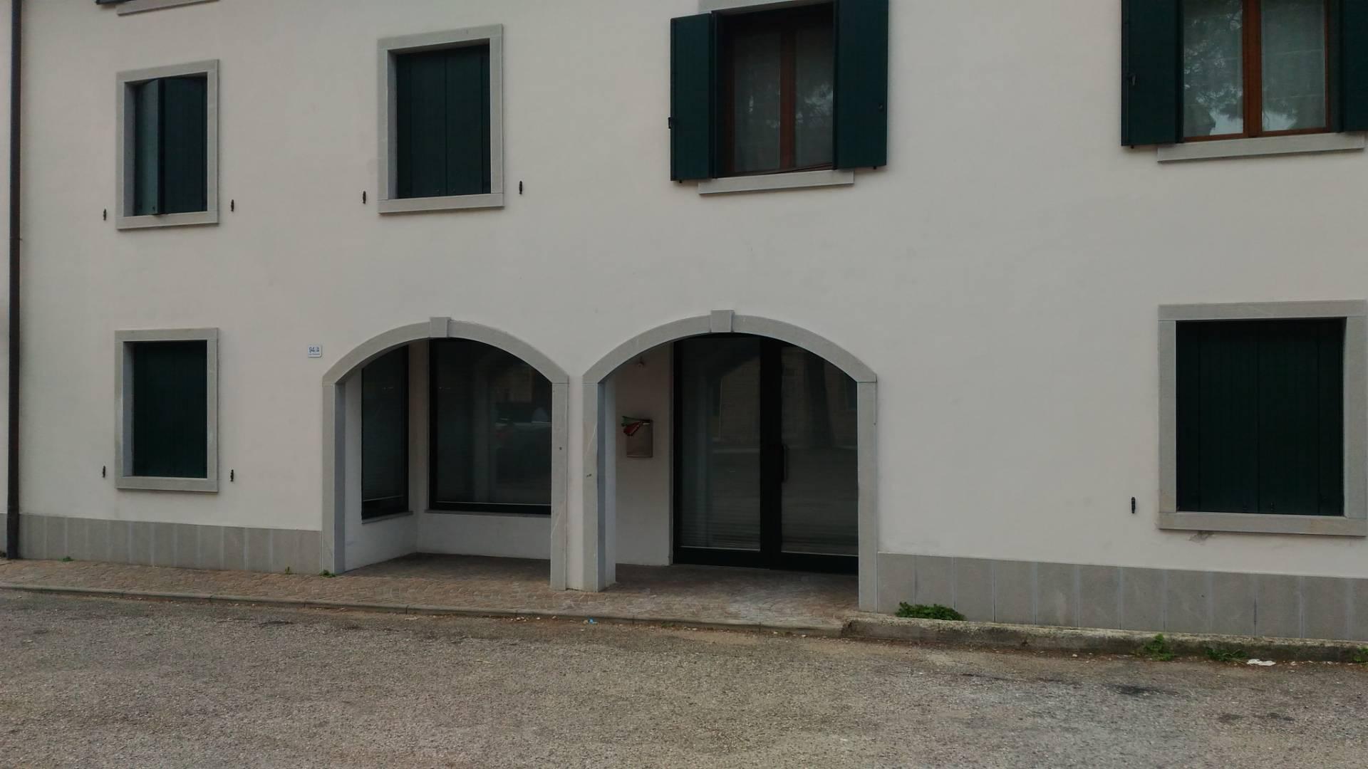 Negozio / Locale in vendita a Udine, 9999 locali, zona Località: VIALETRICESIMO, prezzo € 115.000 | CambioCasa.it