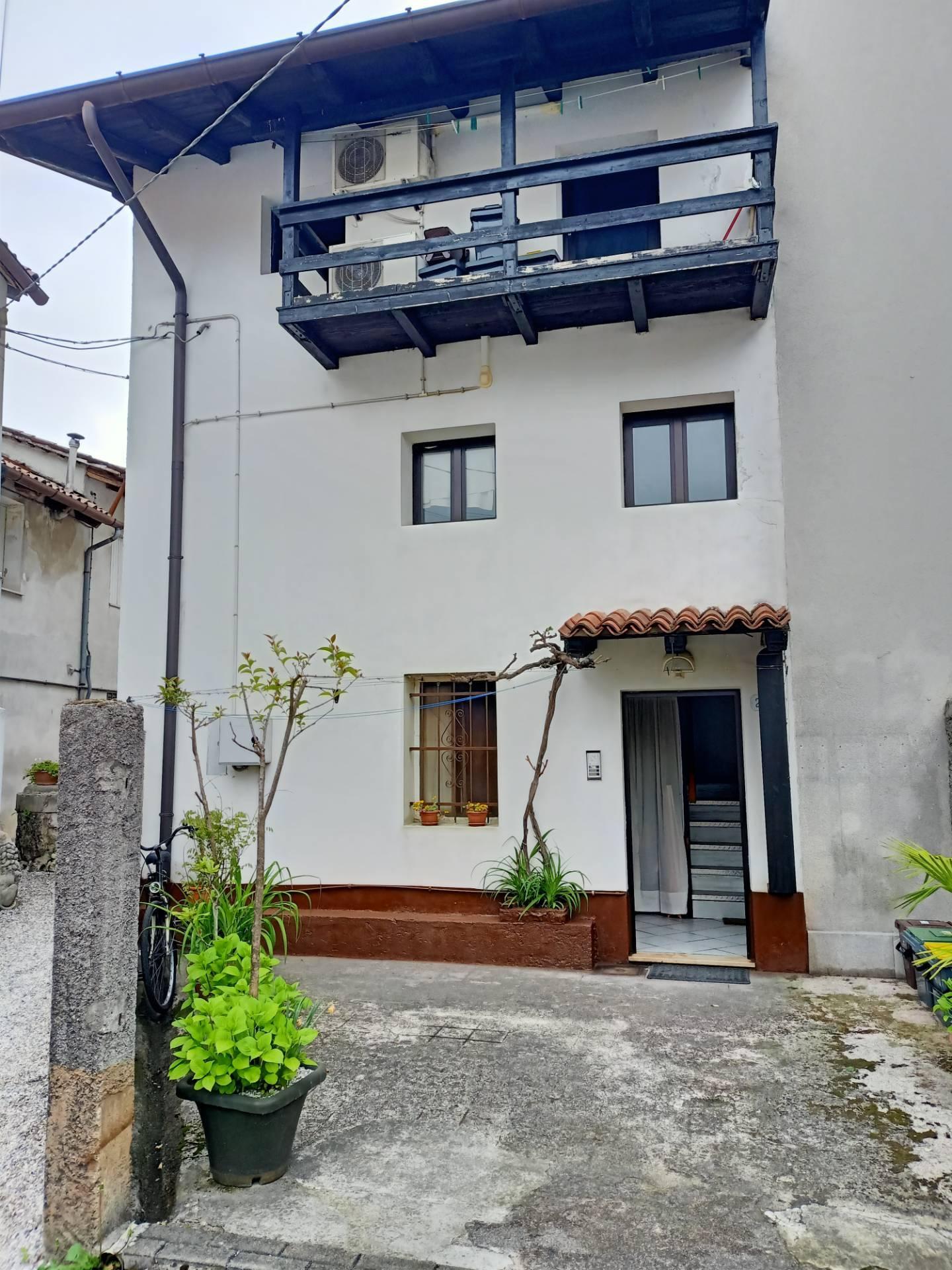 Soluzione Indipendente in vendita a Udine, 3 locali, zona Zona: Rizzi, prezzo € 100.000   CambioCasa.it