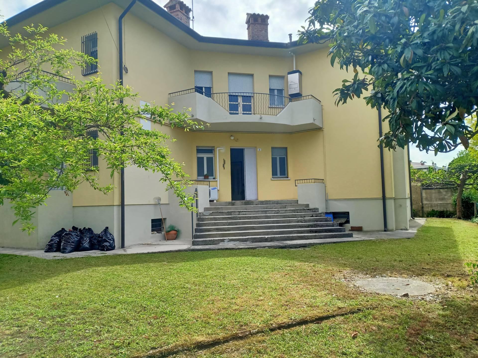 Appartamento in affitto a Udine, 4 locali, zona Località: VIALEVENEZIA, prezzo € 420 | CambioCasa.it