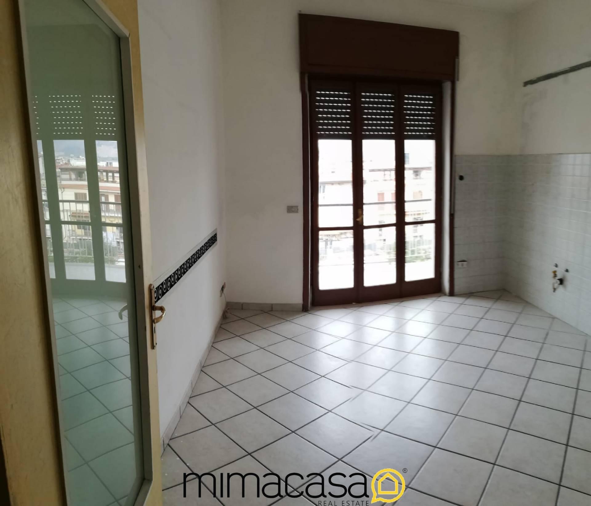 Appartamento in affitto a Brusciano, 4 locali, prezzo € 400 | CambioCasa.it