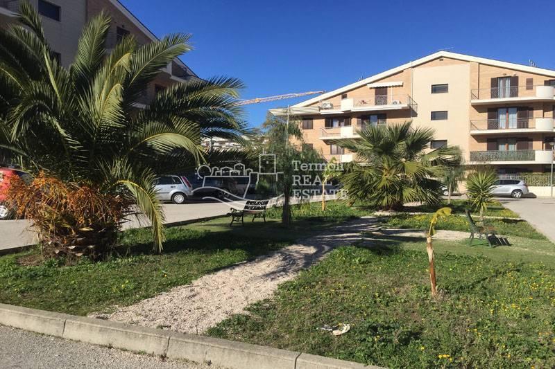 Appartamento in vendita a Termoli, 3 locali, zona Località: Porticone-SanPietro, prezzo € 165.000 | CambioCasa.it