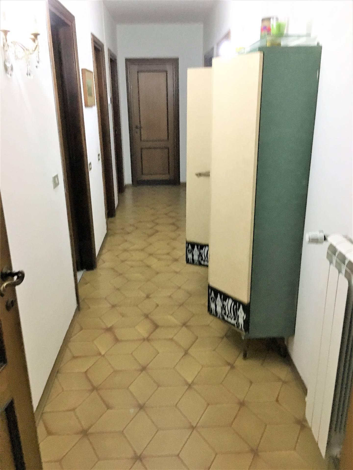 Altro in affitto a Empoli, 6 locali, zona Località: Centro, prezzo € 250 | PortaleAgenzieImmobiliari.it