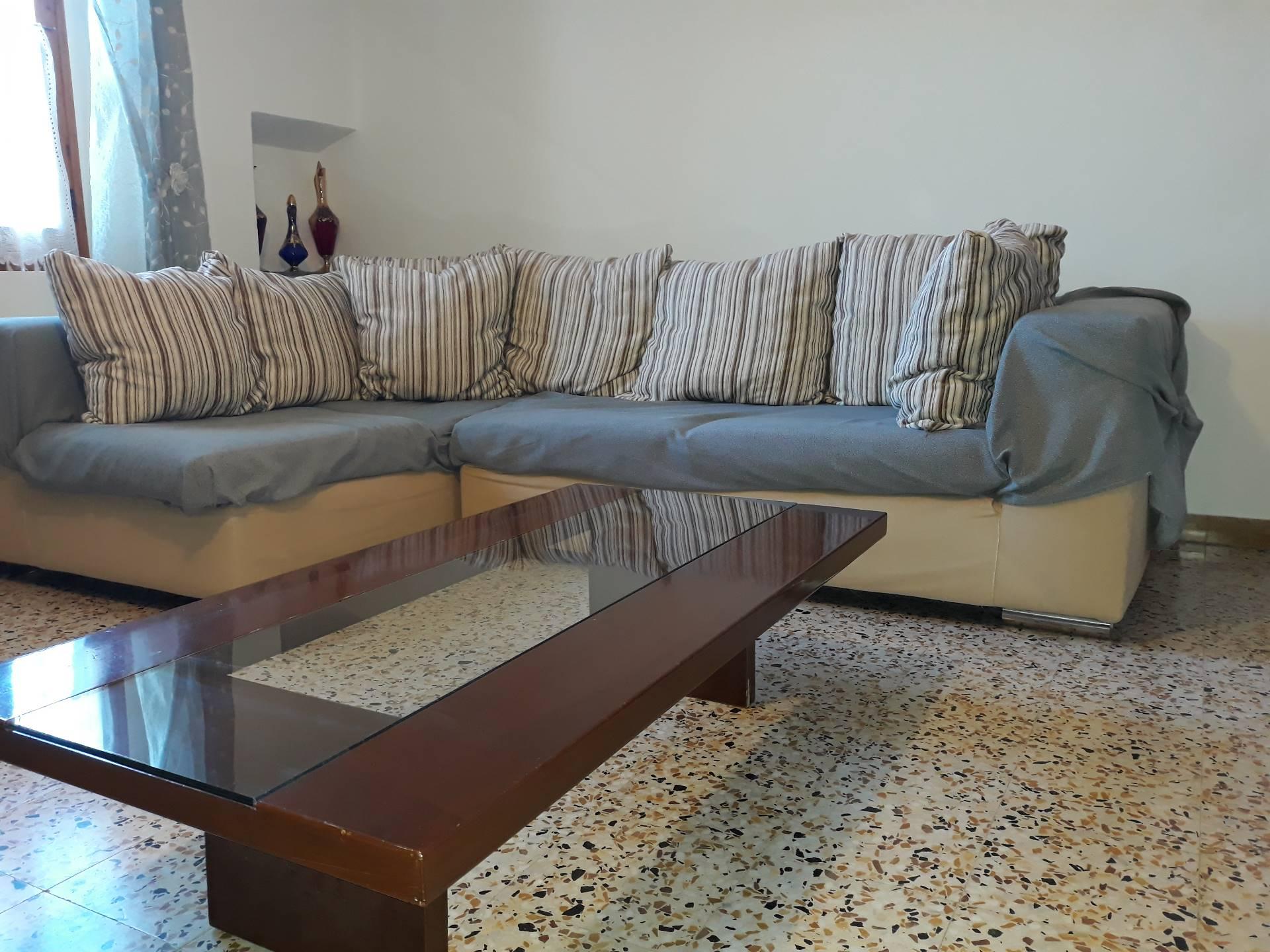Appartamento in vendita a Empoli, 5 locali, zona Zona: Casenuove, prezzo € 130.000 | CambioCasa.it