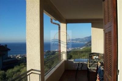 Villa in Vendita a Vallecrosia