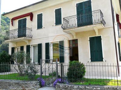 Villa in Vendita a Isolabona