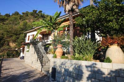 Villa for Sale in Camporosso