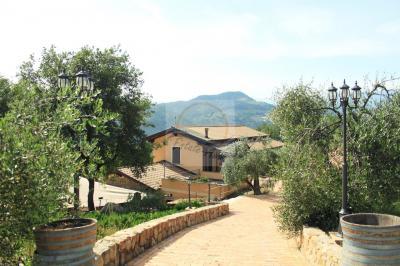 Villa in Vendita a Camporosso