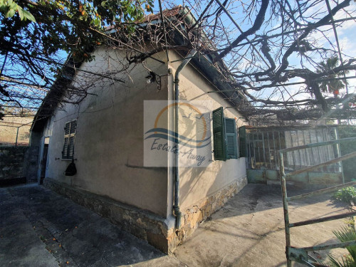 Casa singola in Vendita a Bordighera