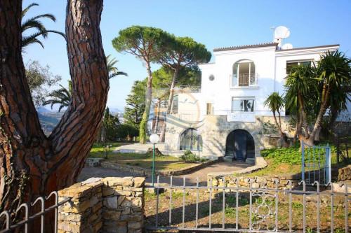 Villa à Vendre à Bordighera