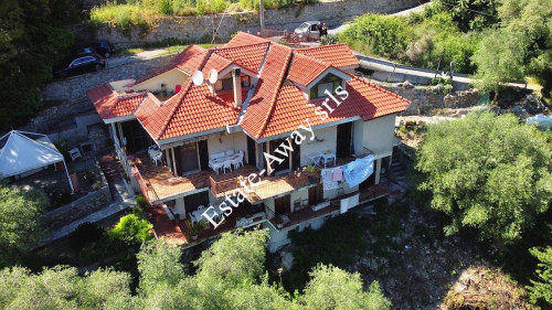 Villa in Vendita a Bordighera