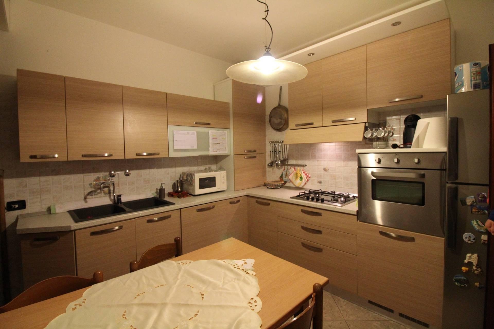 Appartamento in vendita a Argenta, 7 locali, prezzo € 89.000 | CambioCasa.it
