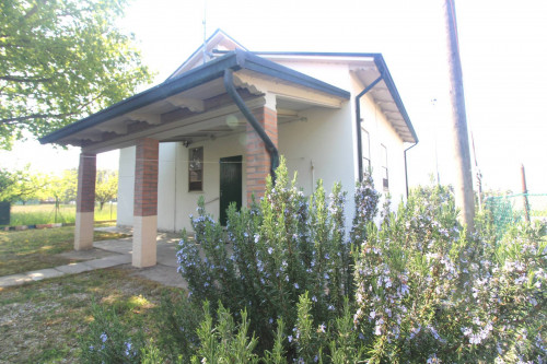 Villa in Vendita a Argenta