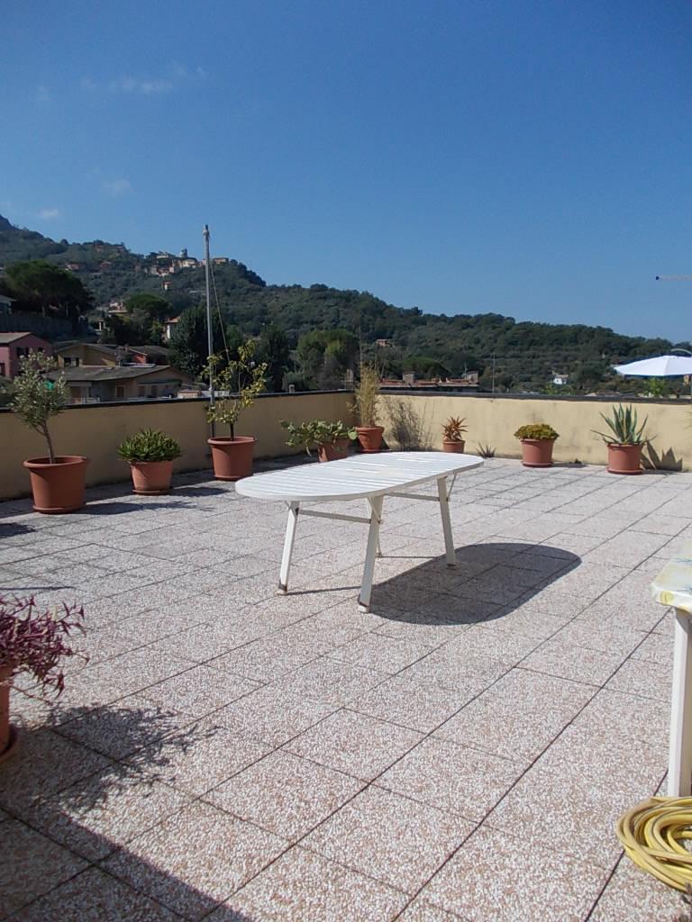 Appartamento in affitto a Camogli, 4 locali, prezzo € 700 | CambioCasa.it