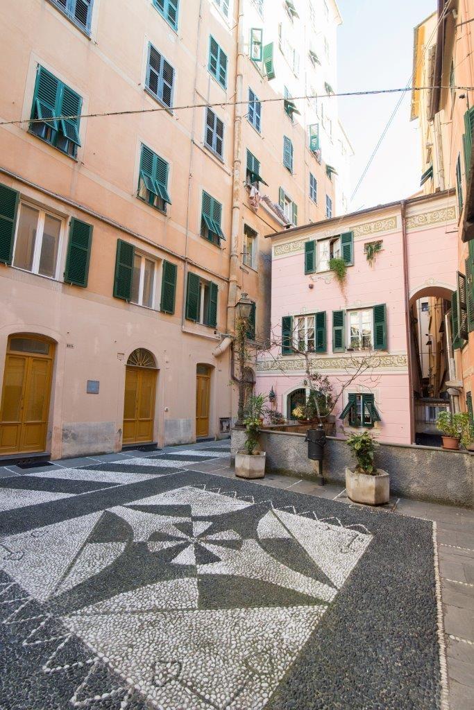 Appartamento in vendita a Camogli, 5 locali, prezzo € 270.000 | CambioCasa.it