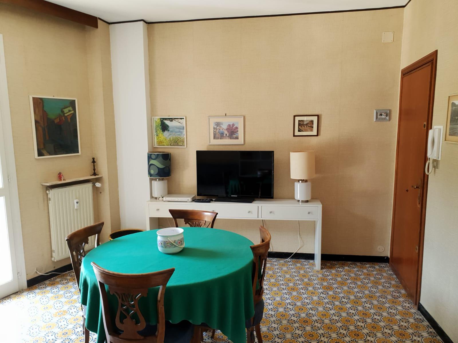Appartamento in vendita a Camogli, 4 locali, prezzo € 265.000 | CambioCasa.it