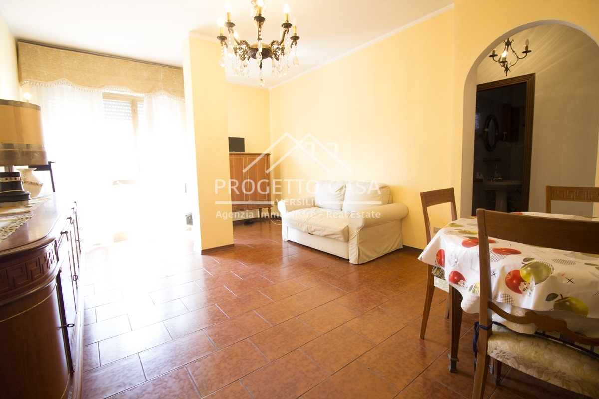 vendita appartamento camaiore lido di camaiore  255000 euro  5 locali  80 mq