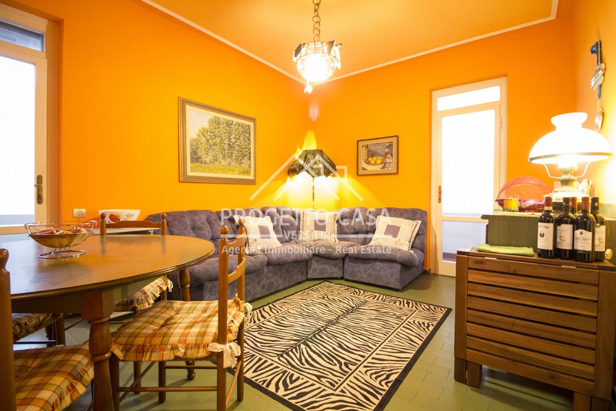 vendita appartamento camaiore lido di camaiore  320000 euro  4 locali  65 mq