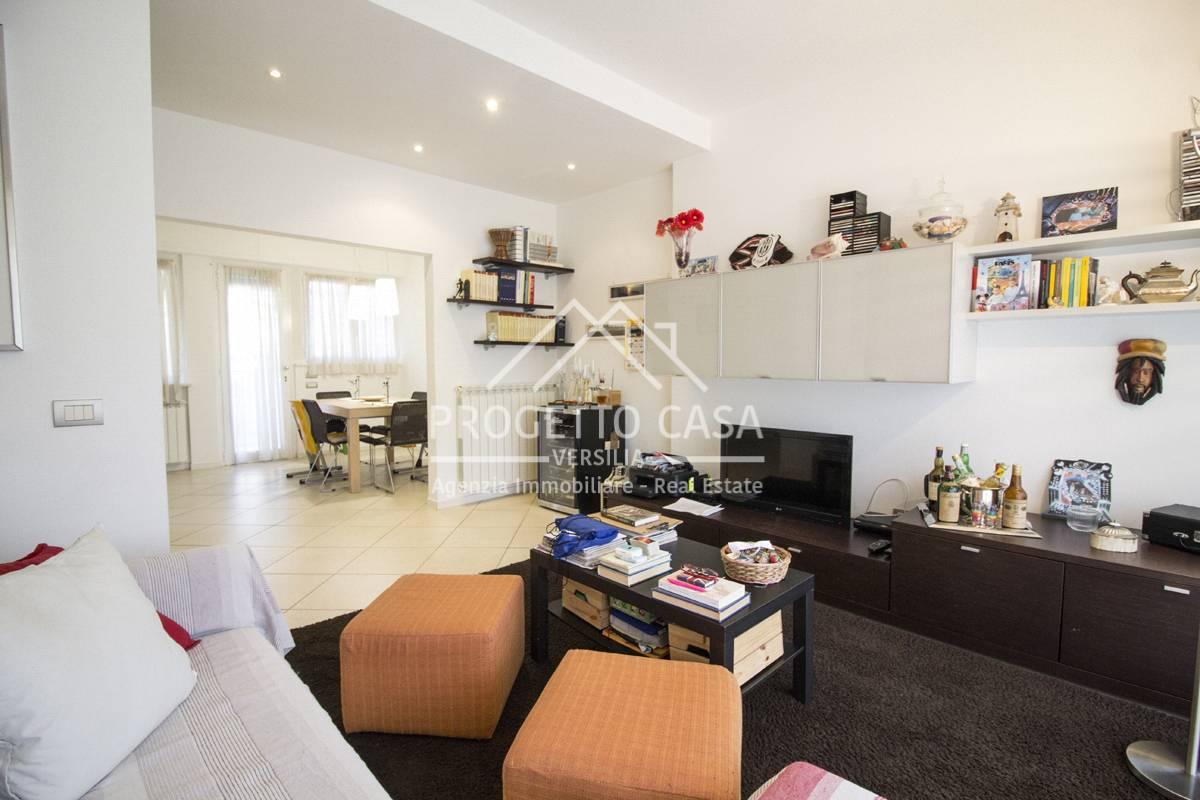 Appartamento in vendita Lido di Camaiore-Via Dei Fiordalisi Camaiore