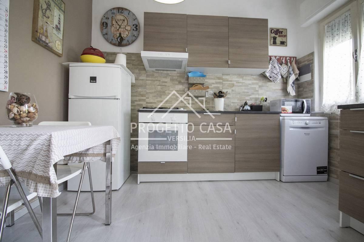 Appartamento in vendita a Pietrasanta, 2 locali, zona Località: MarinadiPietrasanta, prezzo € 270.000 | PortaleAgenzieImmobiliari.it