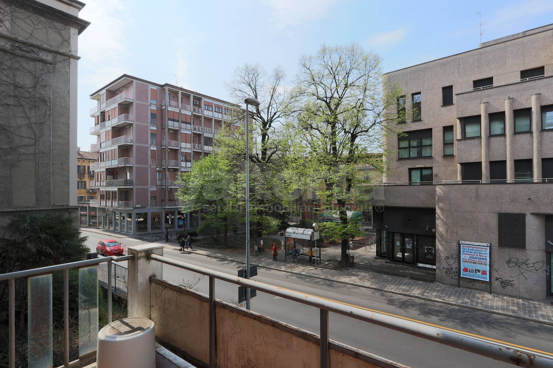 Via Pietro Nenni Giussano vendita appartamento via manzoni 35, monza — valtorta