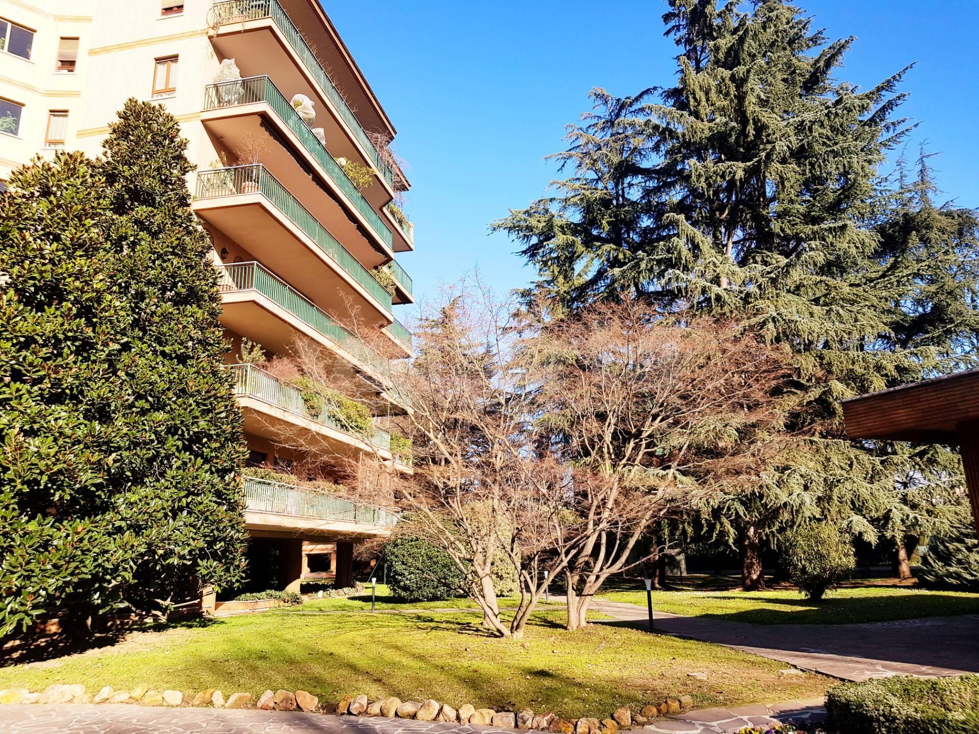Appartamento in vendita a Vedano al Lambro, 6 locali, prezzo € 850.000 | PortaleAgenzieImmobiliari.it
